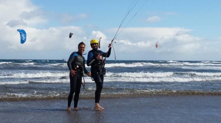 Kitesurfing-Las Palmas de Gran Canaria-Private kitesurfing lessons in Gran Canaria-2