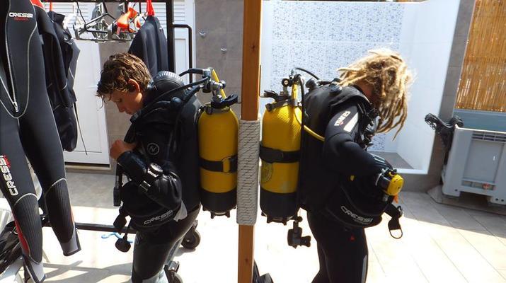 Scuba Diving-Agia Pelagia-Guided adventure dives from Mononaftis Beach near Heraklion-5