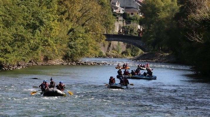 Rafting-Pau-Descente en rafting du Gave de Pau entre Lourdes et Lestelle-Bétharram-6