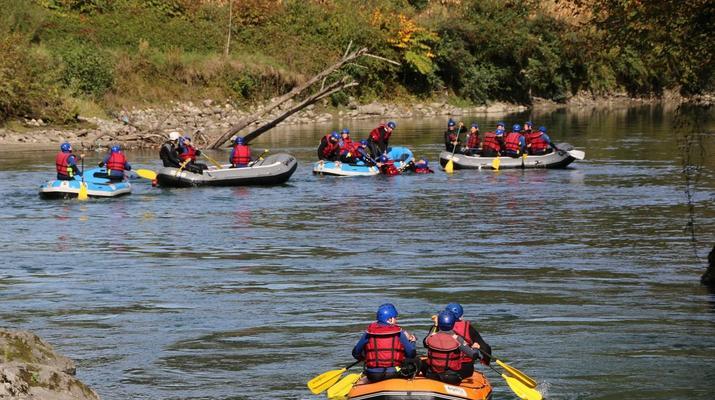 Rafting-Pau-Descente en rafting du Gave de Pau entre Lourdes et Lestelle-Bétharram-4