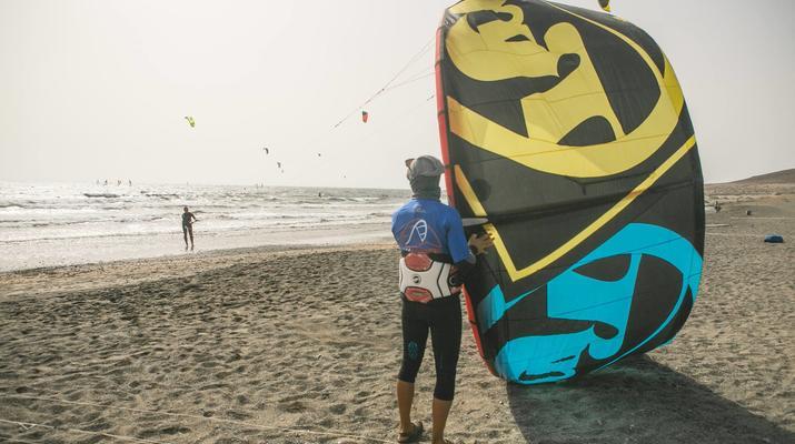 Kitesurf-El Médano, Tenerife-Cours de kitesurf sur la plage d'El Medano, Tenerife-4