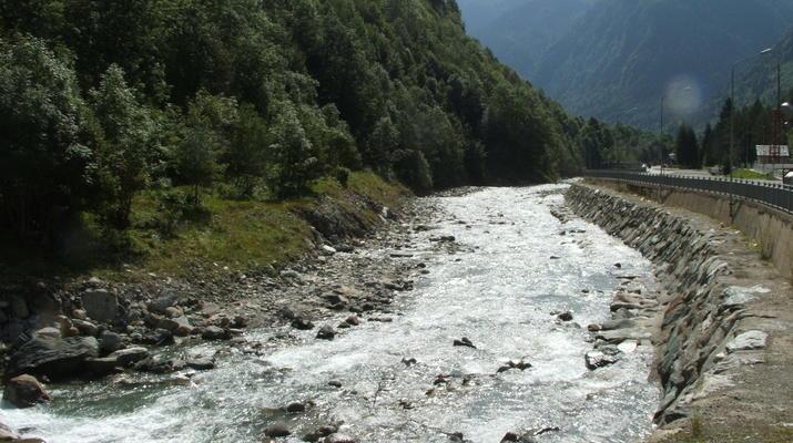 Canoë-kayak-Alagna Valsesia-2 jours de descente de la rivière Sesia à Alagna Valsesia-2
