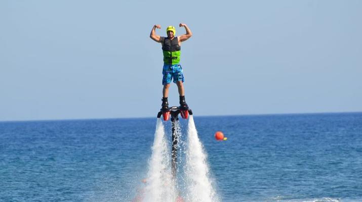 Flyboard/Hoverboard-Santorin-Session de flyboarding à Santorin-1