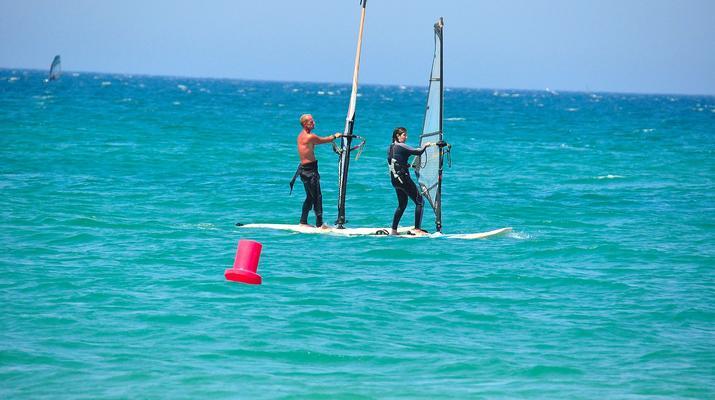 Windsurf-Tarifa-Cours privés de planche à voile à Tarifa-1