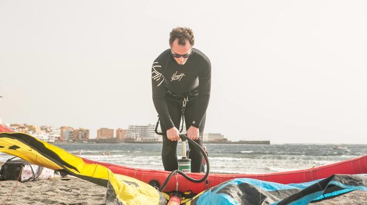 Kitesurf-El Médano, Tenerife-Cours de kitesurf sur la plage d'El Medano, Tenerife-5