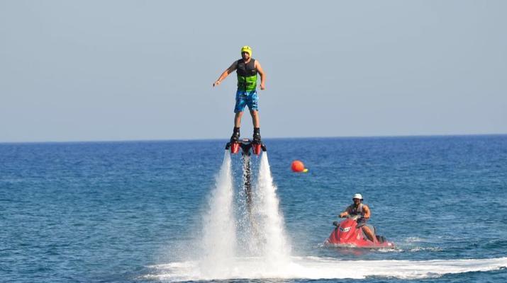 Flyboard/Hoverboard-Santorin-Session de flyboarding à Santorin-2