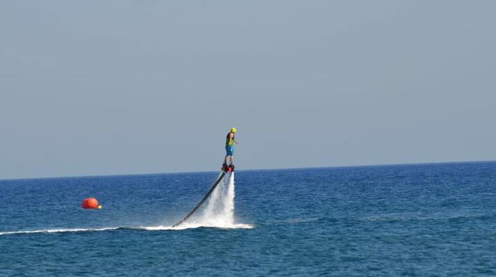 Flyboard/Hoverboard-Santorin-Session de flyboarding à Santorin-3