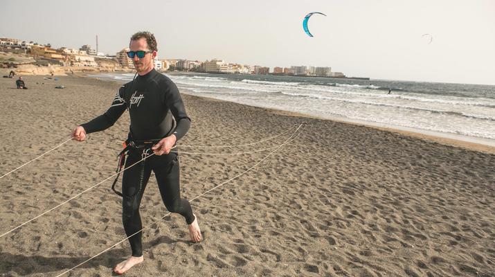 Kitesurf-El Médano, Tenerife-Cours de kitesurf sur la plage d'El Medano, Tenerife-2