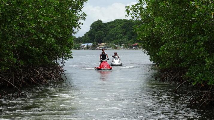 Flyboard/Hoverboard-Port-Louis, Grande-Terre-Session Flyboard ou Hoverboard en Guadeloupe-6