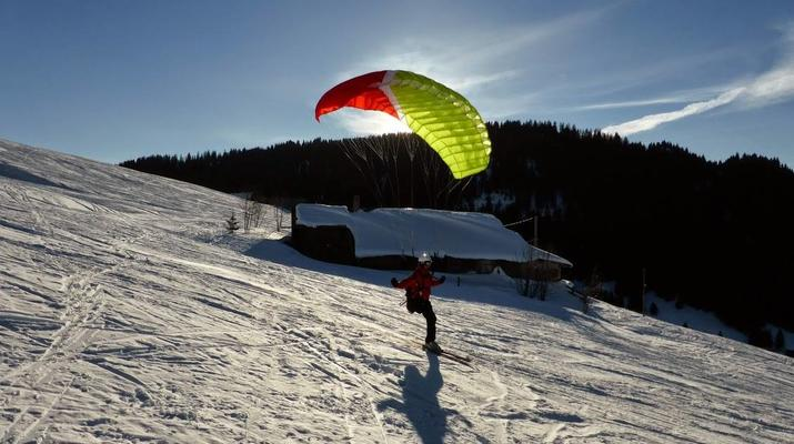 Speedriding-La Clusaz, Massif des Aravis-Tandem speedriding flight in La Clusaz-2