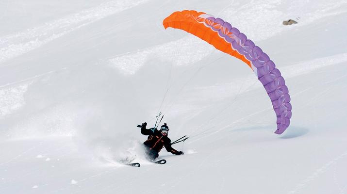 Speedriding-La Clusaz, Massif des Aravis-Tandem speedriding flight in La Clusaz-1