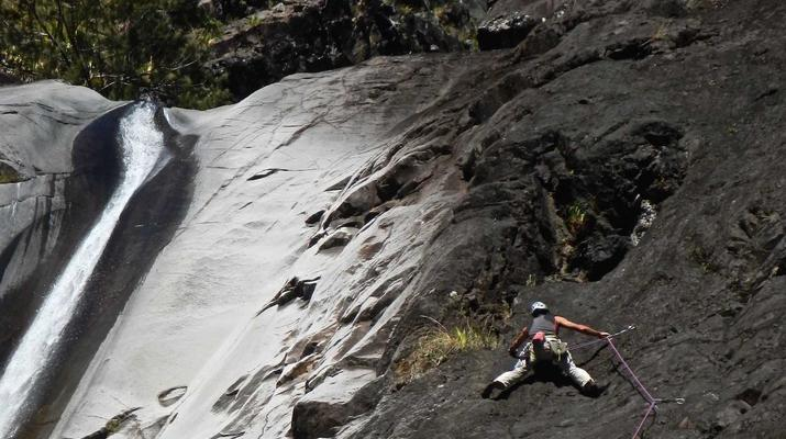 Escalade-Cirque de Cilaos-Escalade Grandes Voies à La Réunion-6