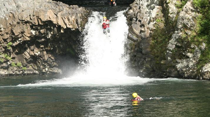 Canyoning-Rivière des Roches-Randonnée Aquatique au Bassin la Mer, Réunion-4