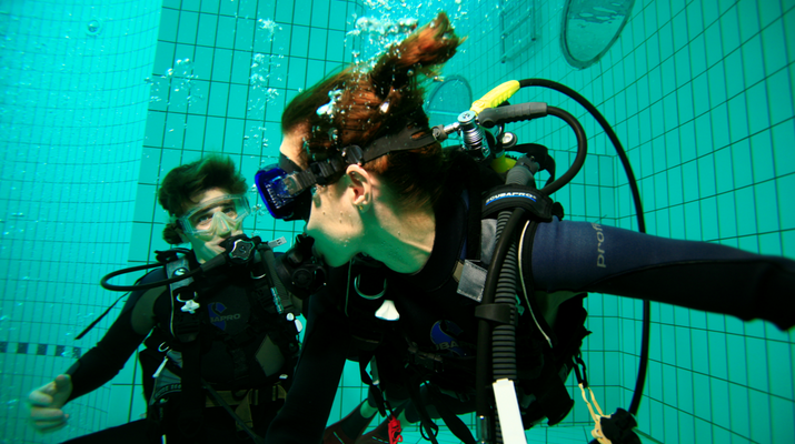 Plongée sous-marine-Paris-Baptême de Plongée sous marine en piscine près de Paris-4