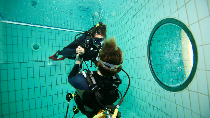 Plongée sous-marine-Paris-Baptême de Plongée sous marine en piscine près de Paris-2