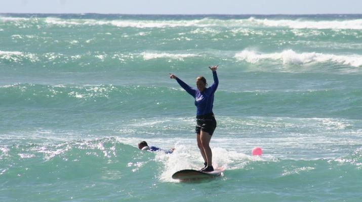 Surfing-Cape Town-Surfing lesson in Muizenberg Bay near Cape Town-2