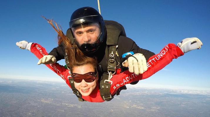 Skydiving-Rome-Tandem Skydive from 4000m in Nettuno, Rome-7