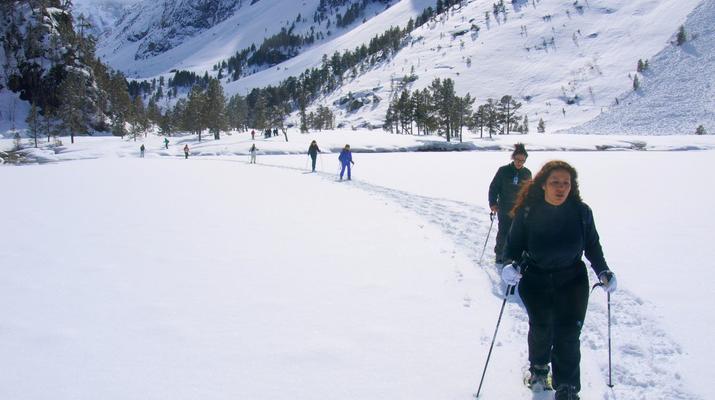 Raquette à Neige-Cauterets-Randonnée en Raquettes près du lac de Gaube-1