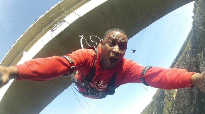 Bungee Jumping-Plettenberg Bay-World's highest bridge bungy, 216m from Bloukrans Bridge-1