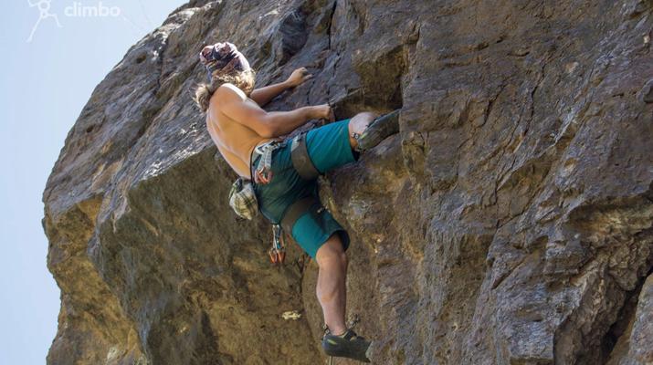 Rock climbing-Maspalomas, Gran Canaria-Rock climbing for beginners in Fataga or Sorrueda, Maspalomas-4