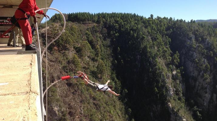 Bungee Jumping-Plettenberg Bay-World's highest bridge bungy, 216m from Bloukrans Bridge-3