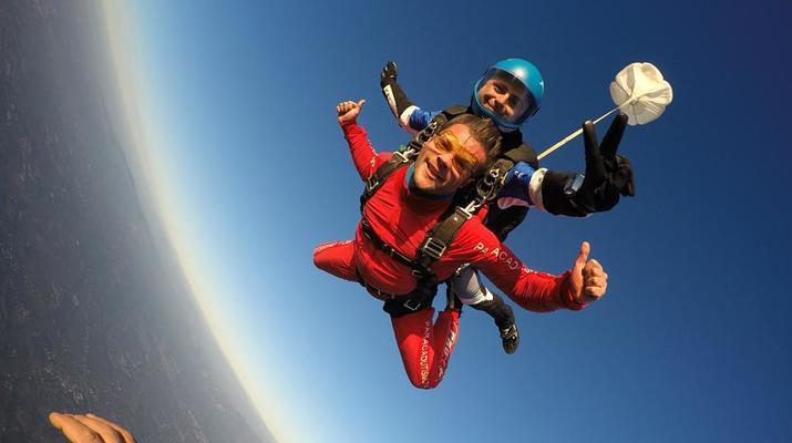 Skydiving-Rome-Tandem Skydive from 4000m in Nettuno, Rome-3