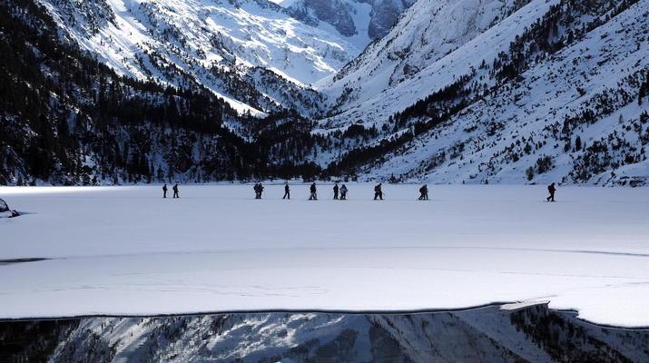 Raquette à Neige-Cauterets-Randonnée en Raquettes près du lac de Gaube-4