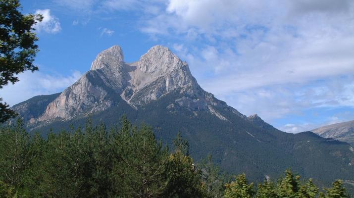 Hiking / Trekking-Spanish Catalan Pyrenees-Trekking to the Pedraforca peak in the Spanish Catalan Pyrenees-4
