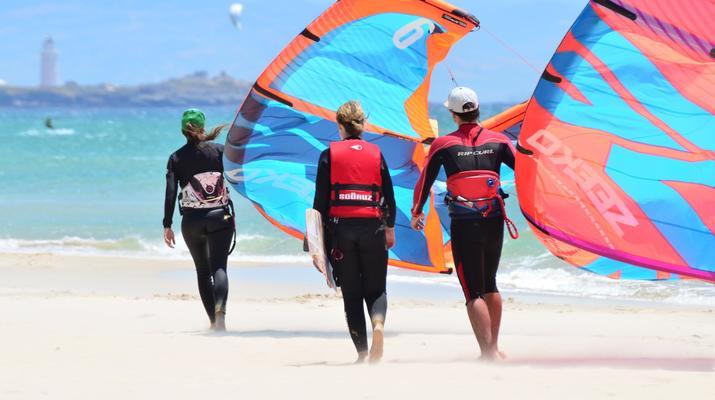 Kitesurfing-Tarifa-Kitesurfing lessons in Tarifa, Andalusia-3