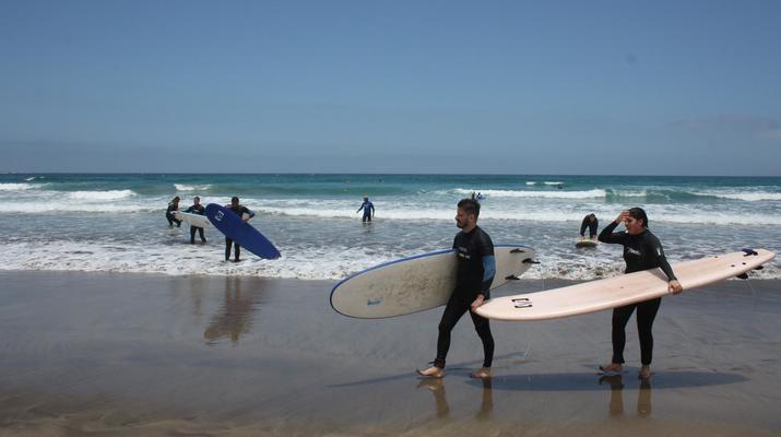 Surfing-Caleta de Famara, Lanzarote-Surf lessons in Caleta de Famara, Lanzarote-6