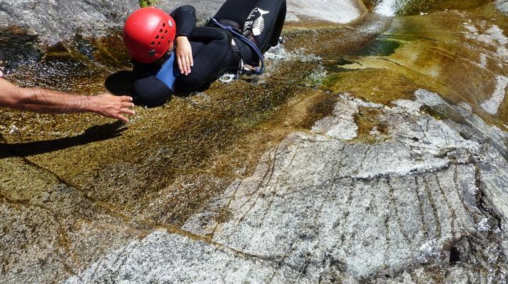 Canyoning-Ajaccio-Descente du canyon de la Richiusa à Bocognano près d'Ajaccio-10