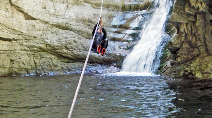 Canyoning-Ajaccio-Descente du canyon de la Richiusa à Bocognano près d'Ajaccio-8