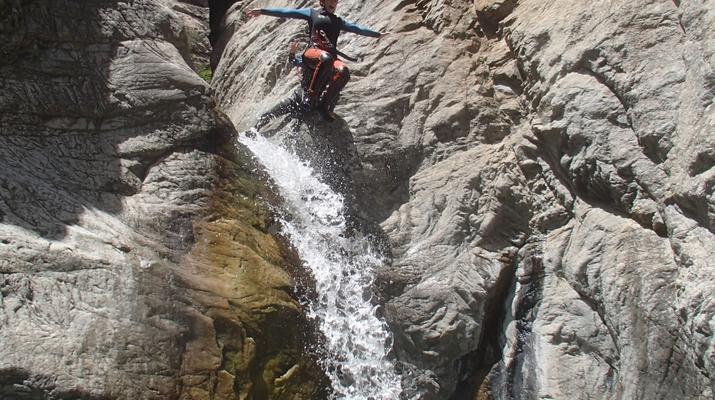 Canyoning-Ajaccio-Descente du canyon de la Richiusa à Bocognano près d'Ajaccio-14