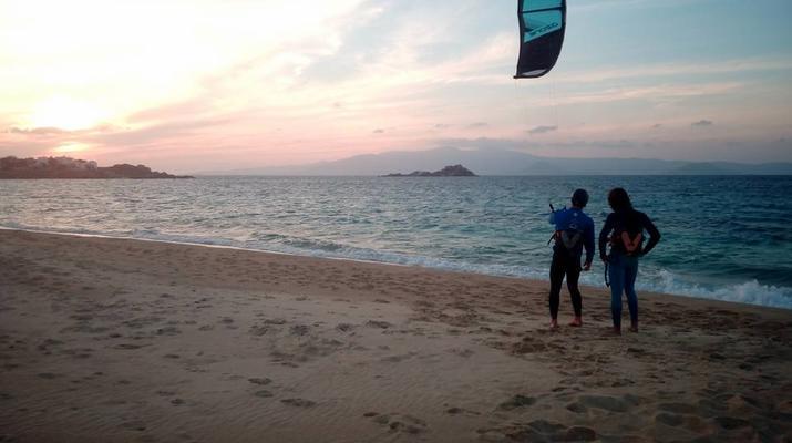 Kitesurfing-Naxos-Beginner to advanced kitesurfing courses in Mikri Vigla-4