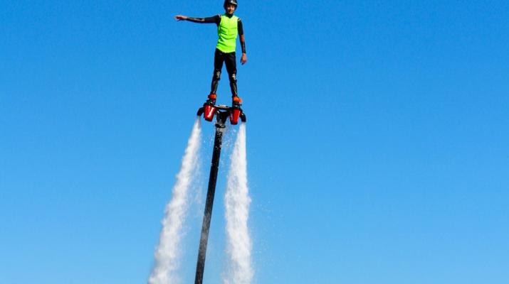 Flyboard/Hoverboard-Martigues-Session Flyboard sur l'Etang de Berre, près de Marseille-1