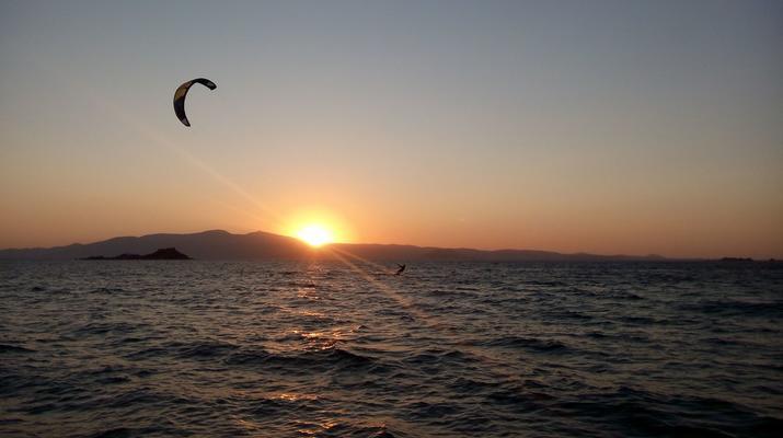 Kitesurfing-Naxos-Beginner to advanced kitesurfing courses in Mikri Vigla-5