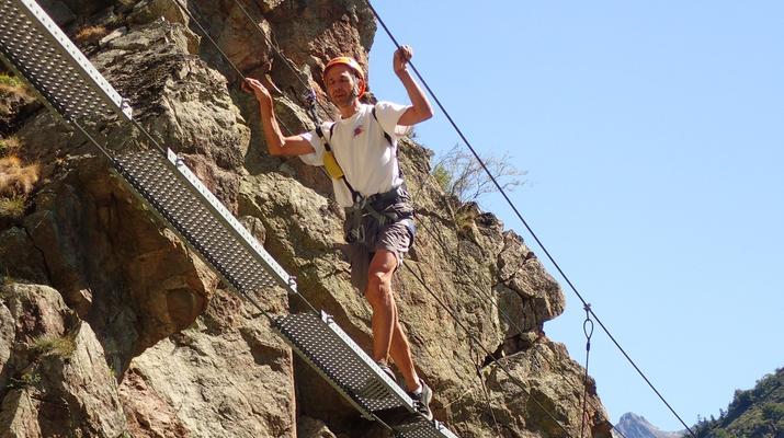 Via Ferrata-Gavarnie-Canyoning et Via Ferrata près du Cirque de Gavarnie-2