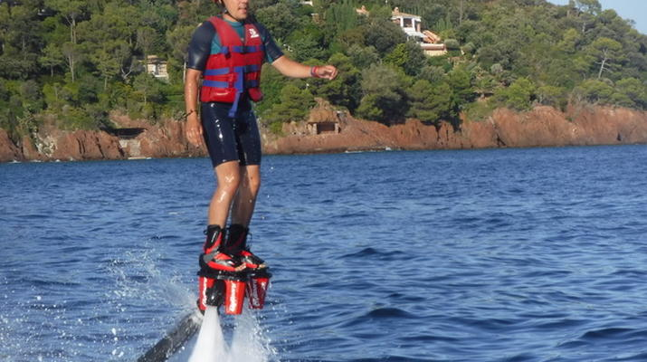 Flyboard/Hoverboard-Cannes-Session Flyboard à Théoule-sur-Mer-2