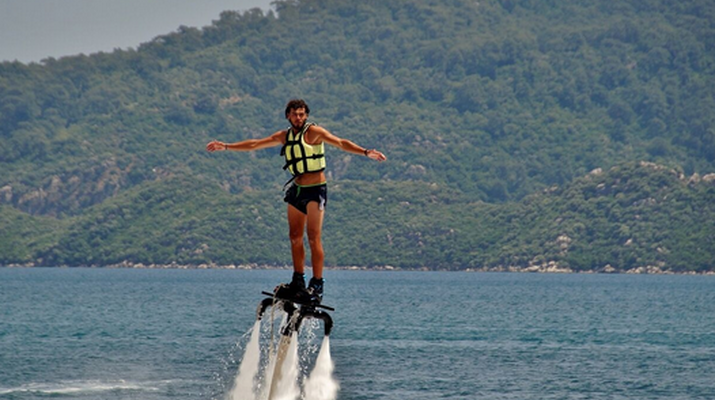 Flyboard/Hoverboard-Cannes-Session Flyboard à Théoule-sur-Mer-4