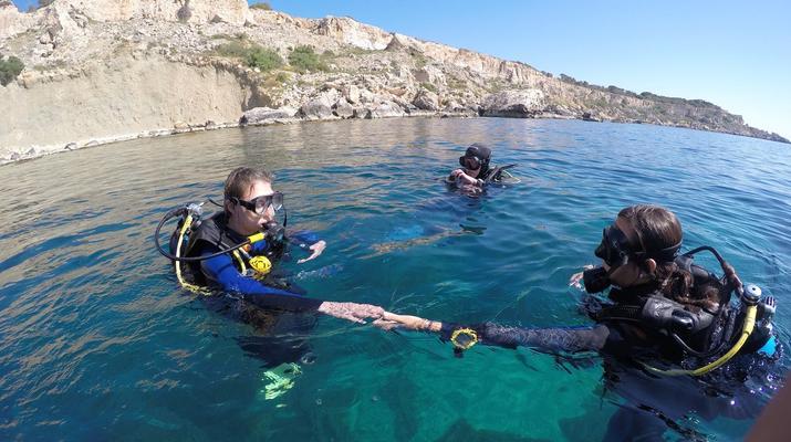 Plongée sous-marine-Malte-Cours PADI Open Water dans la baie de Mellieha, Malte-3