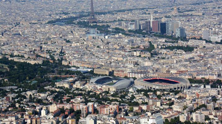 Helicopter tours-Paris-Helicopter ride over Paris and the Château de Versailles-11
