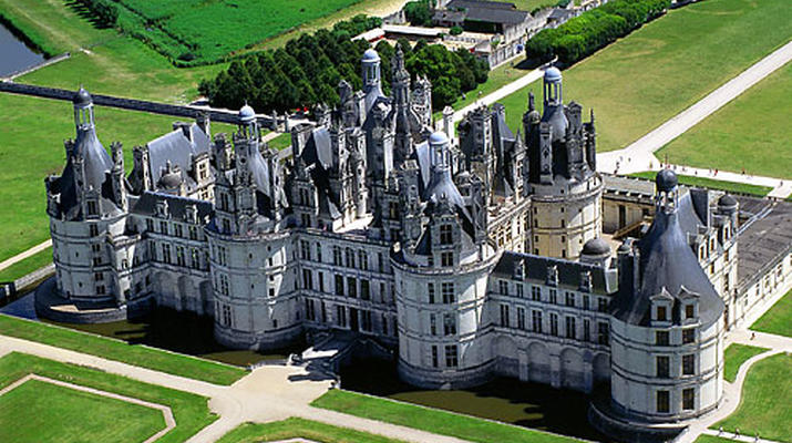 Helicopter tours-Tours-Scenic flight over the châteaux of the Loire Valley, France-5