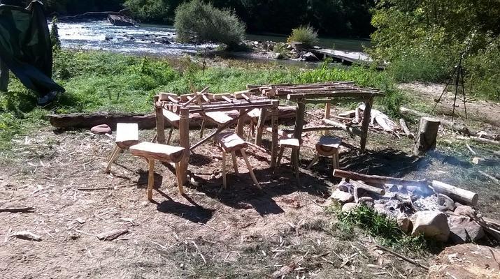 Curso de Superviviencia-Viaduc de Millau-Curso de Bushcraft en Grand Causses cerca de Millau-6