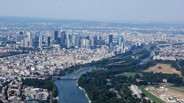 Helicopter tours-Paris-Helicopter ride over Paris and the Château de Versailles-5