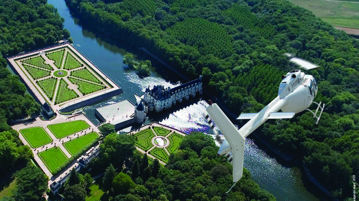 Helicopter tours-Tours-Scenic flight over the châteaux of the Loire Valley, France-3