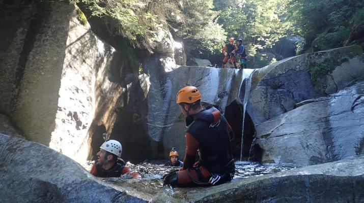 Canyoning-Ticino-Heli canyoning excursion in Boggera Canyon, Ticino-5