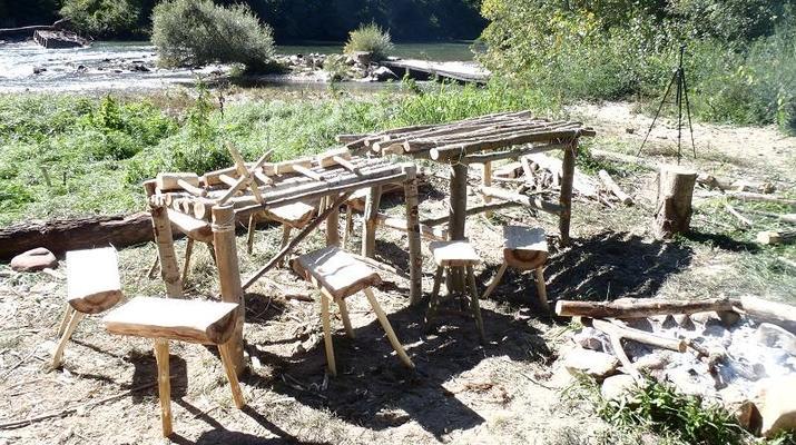 Curso de Superviviencia-Viaduc de Millau-Curso de Bushcraft en Grand Causses cerca de Millau-16