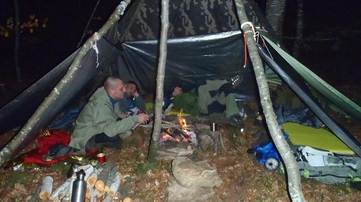 Curso de Superviviencia-Viaduc de Millau-Curso de Bushcraft en Grand Causses cerca de Millau-14