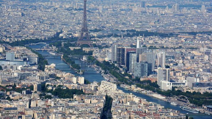 Helicopter tours-Paris-Helicopter ride over Paris and the Château de Versailles-3