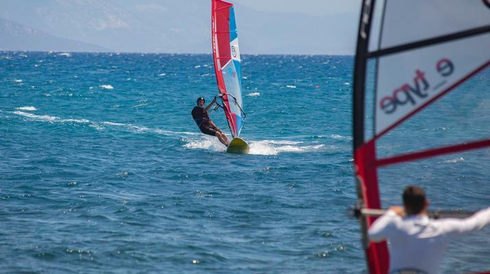 Windsurf-Nauplie-Leçon de planche à voile à Nauplie-2